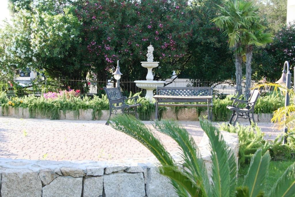 Sardegna case vacanze e residence per ferie al mare for Residence con piscina budoni