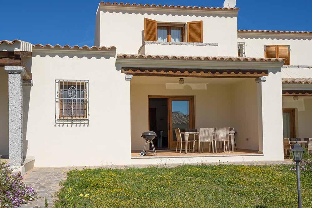 Ferienhaus bungalow und fewo details modernes haus for Haus sardinien