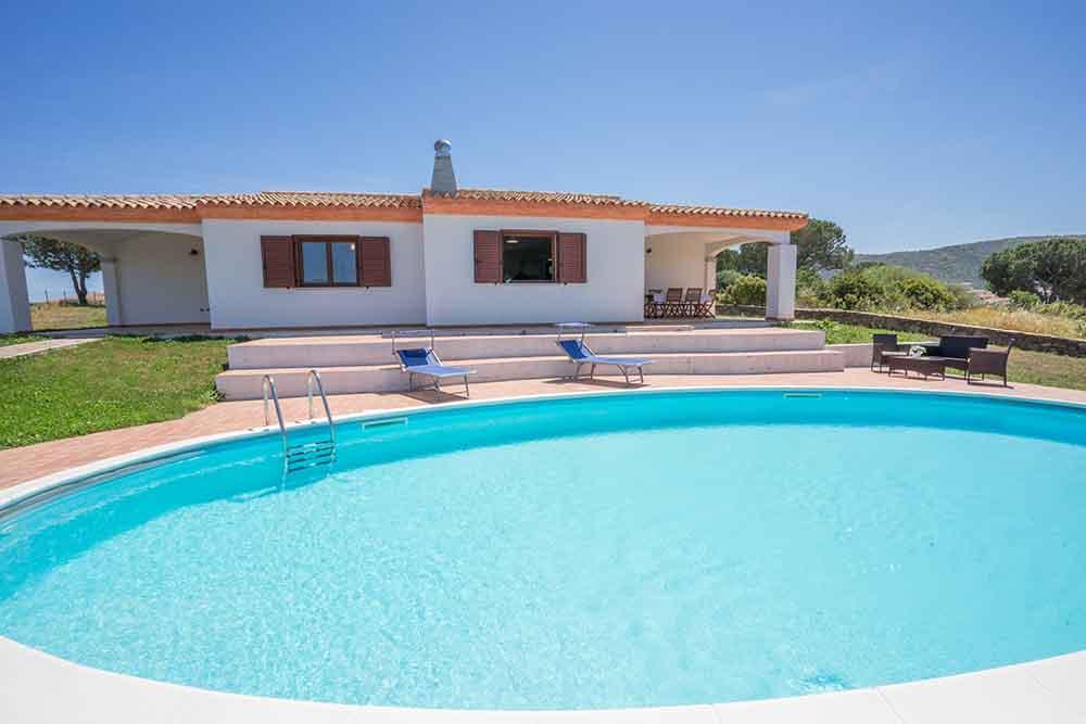 ... Sardinien Ferienhausbilder   Villa Mit Eigenem Pool ...
